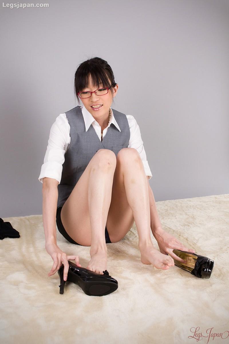 Useful japanese girl in bondage was